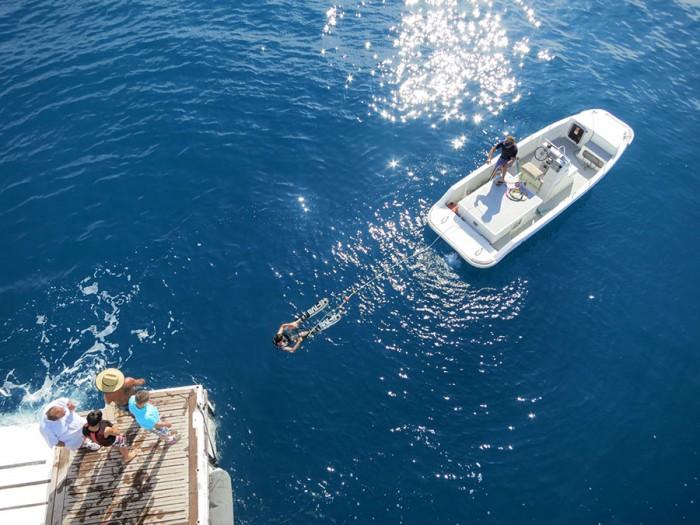 club-med-2-bateau-cannes-ski-nautique